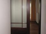 Usa dormitor glisanta in nisa