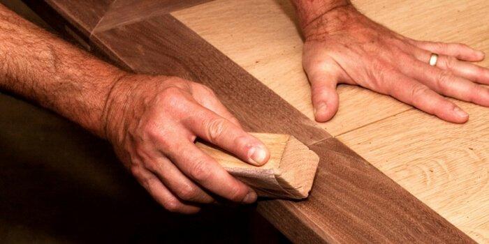 Usile din lemn masiv versus usile din materiale prefabricate