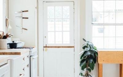 Cum alegi stilul de usa potrivit casei tale?